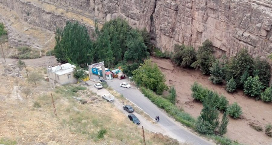Severe floods in Tandoureh
